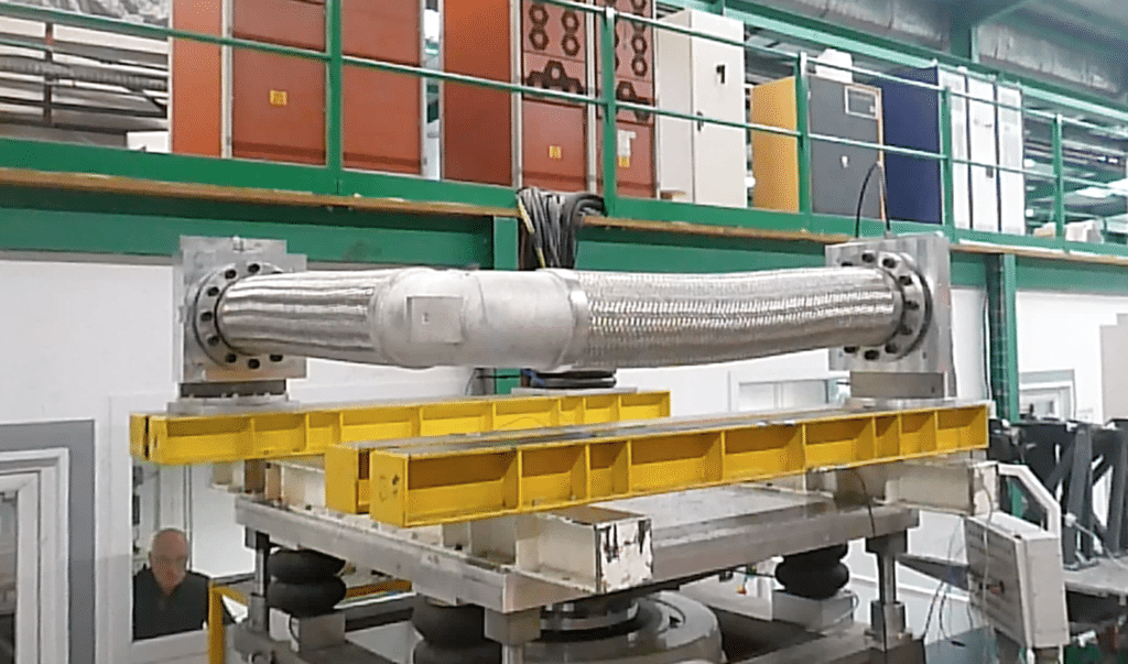 Test de resistance au seisme pour flexible nucleaire